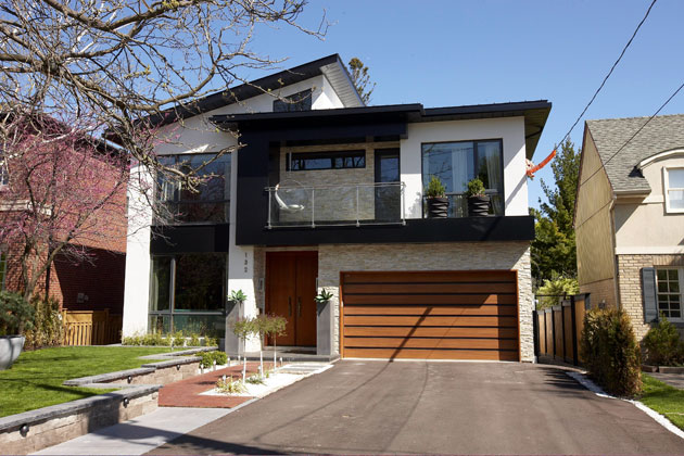 Modern Toronto Home For Sale In Cricket Club Paul